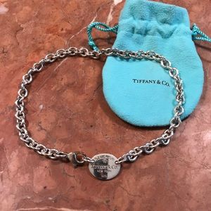 Return to Tiffany Oval Necklace